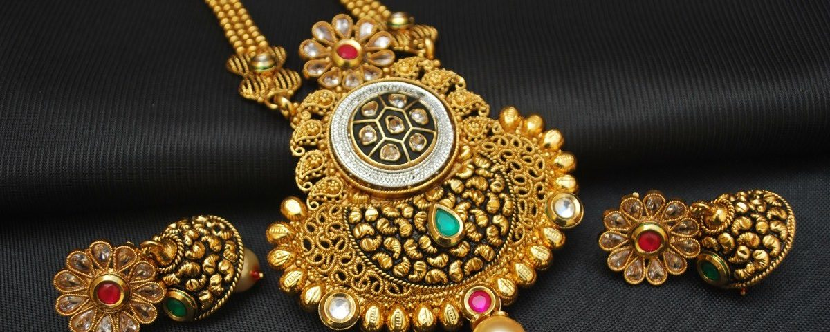 Difference Between Handmade & Machine Made Designer Artificial Jewelry
